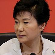 '사퇴쇼' 벌인 선조 박 대통령보다 낫다