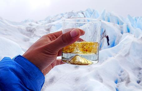빙하띄운 위스키 한잔 먹지 말고 크게 보세요