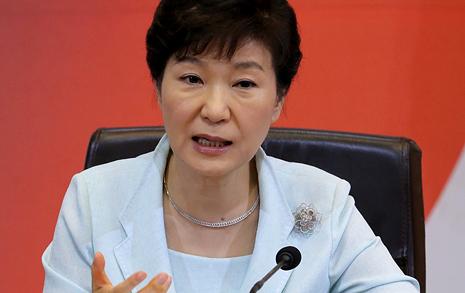'휴가 복귀' 박 대통령  말할까 궁금한 '세 가지'