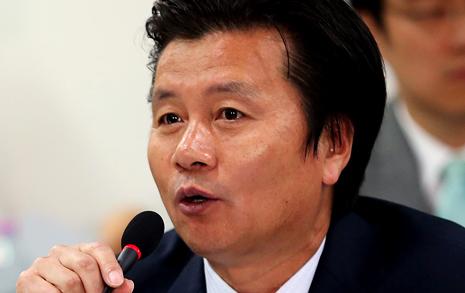 '성폭행 논란' 의원 새누리당 탈당 선언