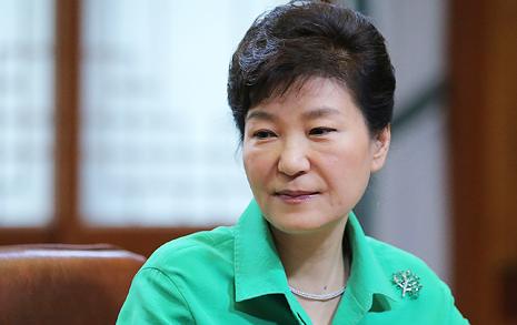 """""""박 대통령은 민비"""" 도발에 침묵한 청와대"""