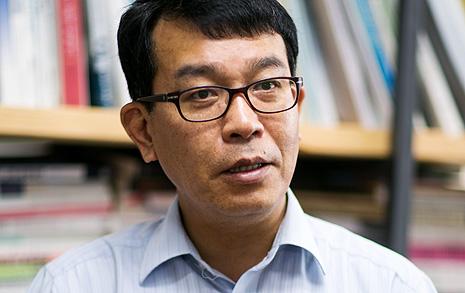 """""""군은 보수 앞마당이 아니다  청년 군사전문가 양성하고 싶다"""""""