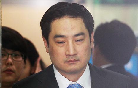 '박원순 아들 병역의혹' 강용석, 다시 전면에...