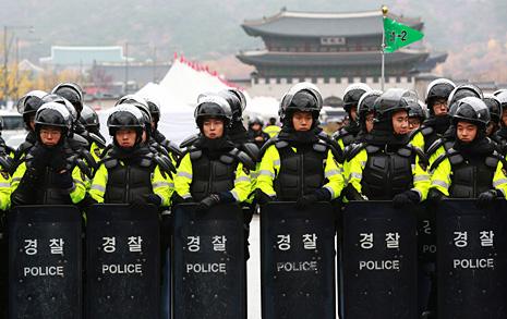'평화집회' 약속했는데...  경찰 2차 '민중총궐기' 집회 불허