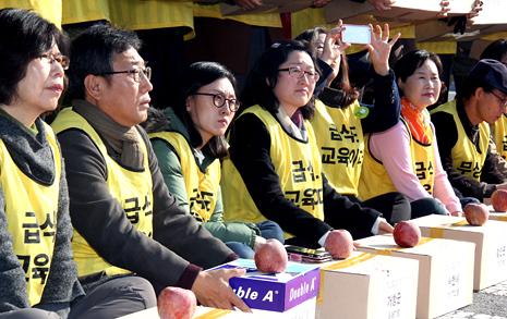 홍준표 주민소환 서명 36만명, 법적요건 상회