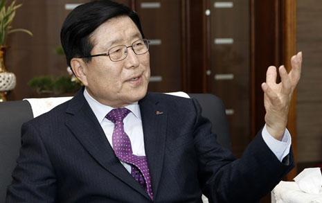 """""""현 지방자치는 살림살이  간섭하는 '신 중앙집권'"""""""