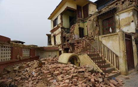 115명 사망한 마을...  촬영하기가 민망했다