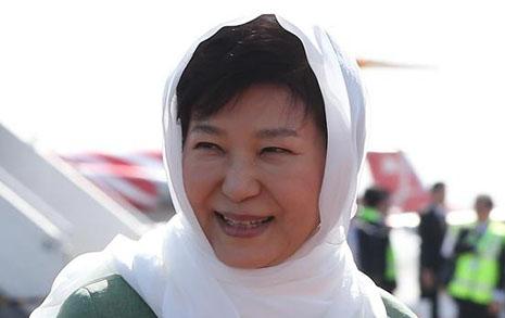 논점 빗나간  박 대통령 히잡 논쟁