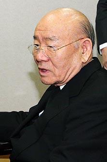 """""""전두환 회고록 없어 이순자, 5.18 사과 적극"""""""