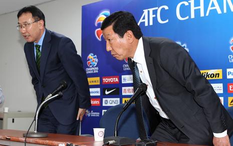 한국판 칼치오폴리,  축구계 수렁에 빠뜨리다