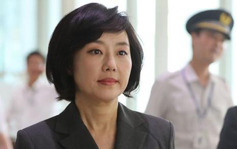 '5억 생활비' 조윤선 박근혜에 후원금 천만원