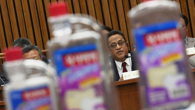 가습기 살균제 사고 청문회 참석한 샤프달 옥시코리아 대표