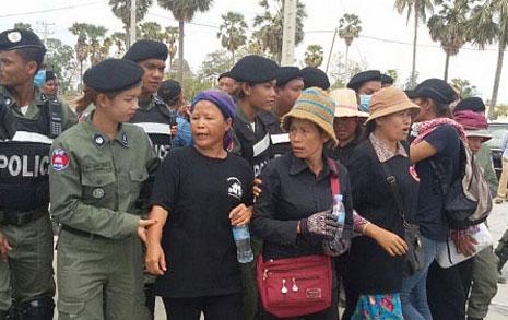 캄보디아의 월요일  '검은옷'은 체포될지도
