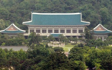 청와대 '익명'은 누구?  '송희영 파일' 연일 폭로