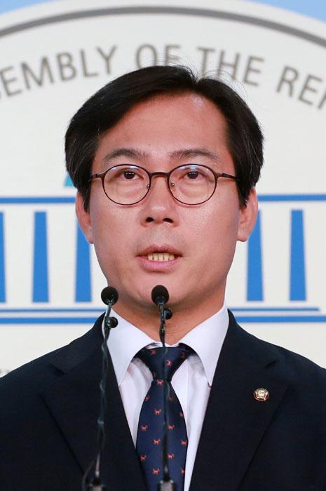 """'반기' 든 김영우  """"국정감사 참여한다"""""""