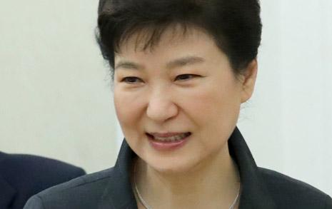 박근혜 지지율 폭락  사상 첫 10%대 진입