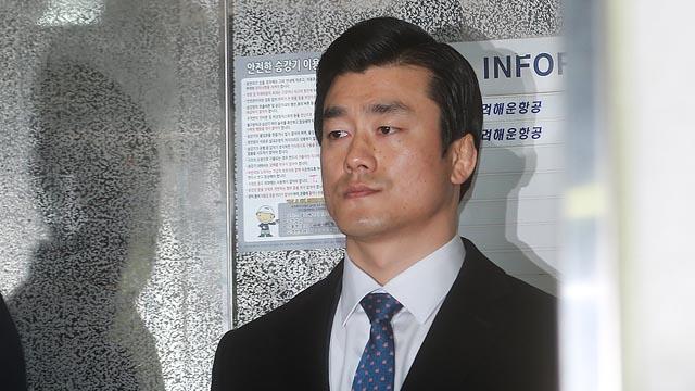 '비선진료' 의혹 이영선 청와대 행정관, 특검 출석