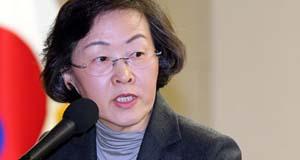 박근혜 화환 강남구 선거법 위반 논란 자초