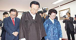 김관용-김진태, 박정희 전 대통령 생가 찾아