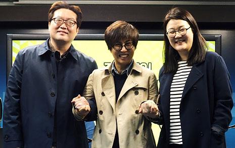 """""""촛불집회 후원금   38억원, 노벨평화상 감"""""""