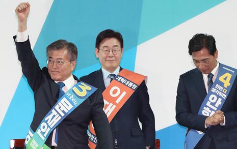 '호남 몰빵' 전략 통했다  문재인, 홀대론 딛고 대세론 일궈