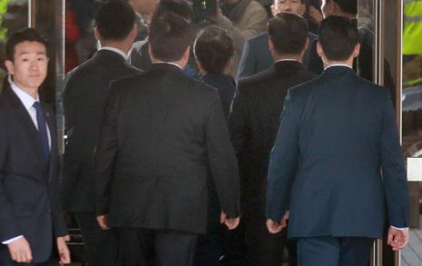 """""""박근혜 올케와 동기라지만 영장판사가 인연 고려 않을 것"""""""