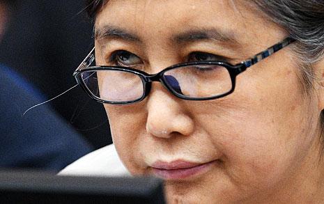 """법정에 선 최순실  """"박 대통령, 그럴 분 아냐"""""""