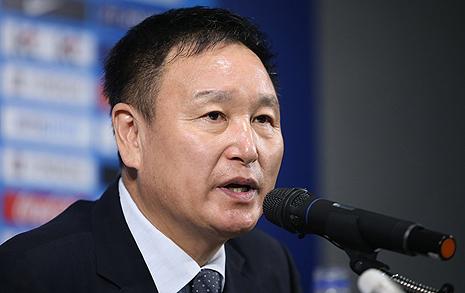 재등장한 '허정무 카드'  한국축구 '구원'할까