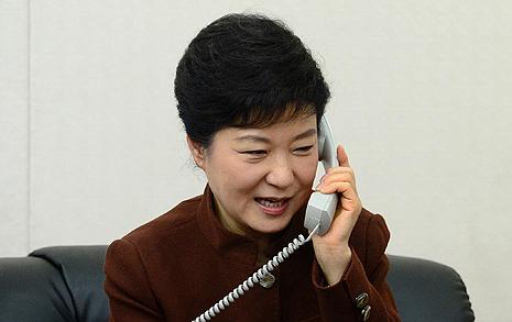 """스님에게 걸려온 전화  """"저, 정말 박근혜입니다"""""""