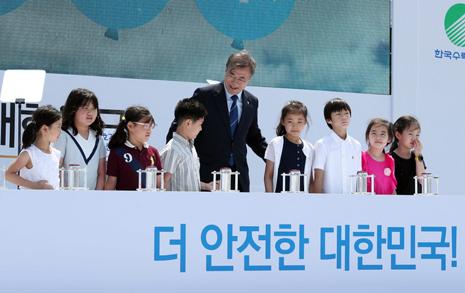 문재인 대통령, 영화 한 편 보고 탈핵 결정?