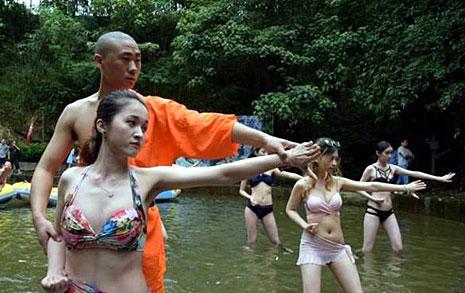 소림사+비키니?  중국사람들의 장사법