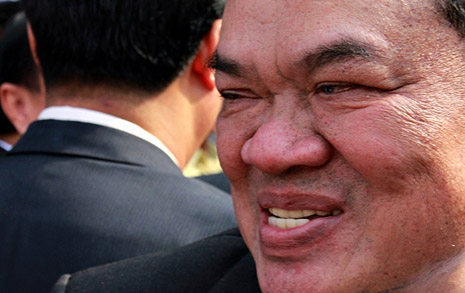 억세게 운 좋았던 캄보디아 정치인의 말로