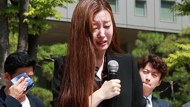"""""""떳떳한 방송을 하고 싶습니다"""" MBC아나운서의 눈물"""