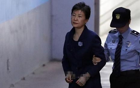 박근혜의 국제법무팀  팩트 날조에 탄핵도 폄하