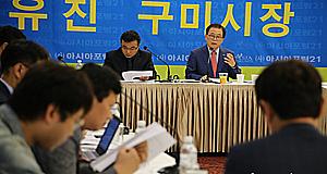 """""""좌파와의 전쟁? 박정희 우표 취소 실망감 표현한 것"""""""