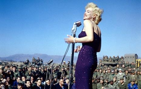 20세기 최고 스타 마릴린 먼로가 찾은 한국전쟁