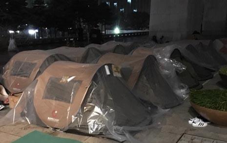 """세월호 가족 국회서 또 하룻밤 """"이게 마지막이길"""""""