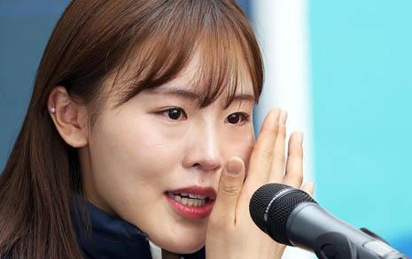 """'노란리본' 김아랑 눈물 """"팽목항서 '고맙다' 전화"""""""