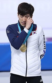 """'3만7400m 주행' 금메달  이승훈 """"기대하셨죠?"""""""