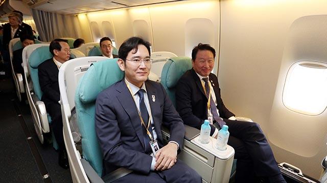 평양행 공군1호기 탑승한 이재용과 최태원