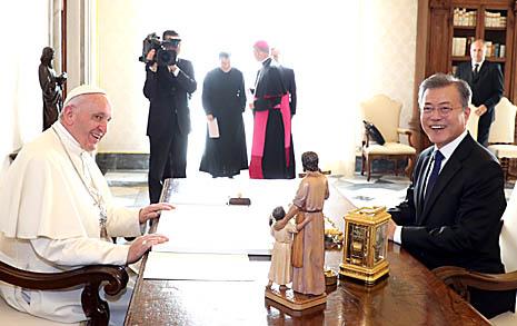 """교황 """"북한 갈 수 있다, 초청장에 무조건 응답할 것"""""""