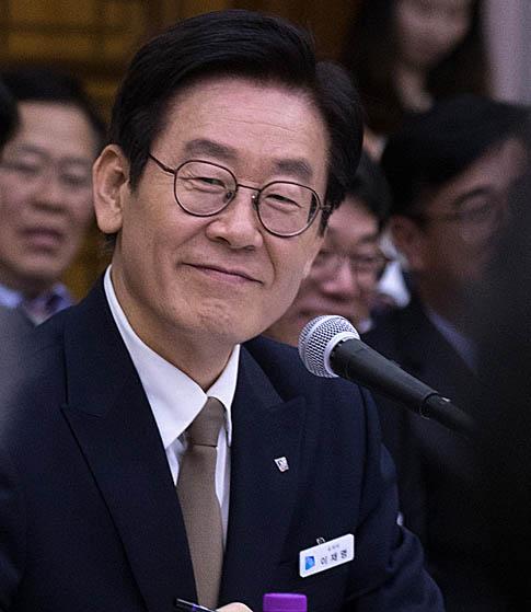 """조원진 """"안.이.박.김 화제""""  이재명 """"인생무상이다..."""""""