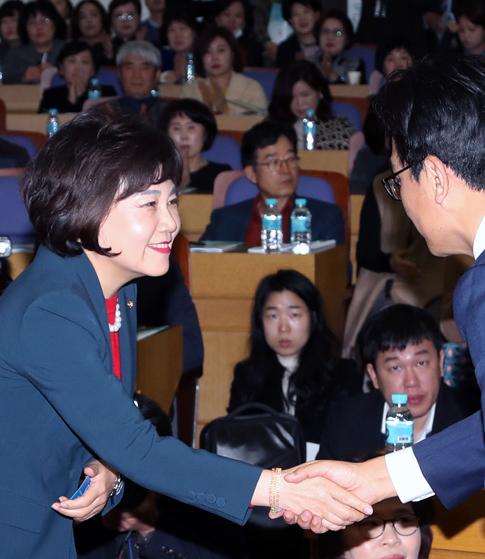 '박용진 3법' 앞  한국당의 두 얼굴