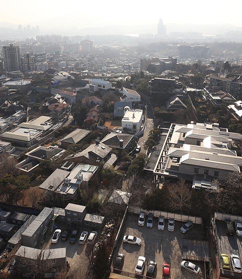 힘빠진 '세금폭탄론' 단독주택 공시가격 인상 '찬성' 47%