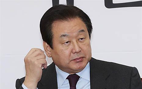 """5.18 망언 비판했던 김무성 """"박지원 그 입 다물라"""""""