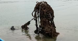 전문 잠수대원 투입해  폐어망 등 해양쓰레기 수거