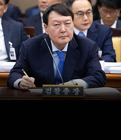 """""""MB정부 쿨"""" 발언 만큼  섬찟했던 윤석열의 태도"""