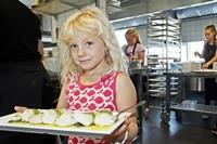 칼질도 척척... 학생이 직접 요리하는 덴마크 초등학교