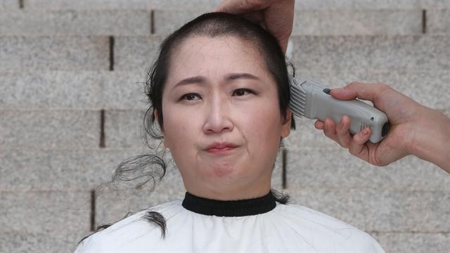 이언주 '삭발'