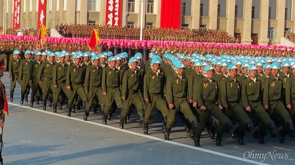 조선노동당 창건 70년 기념 열병식 현장.